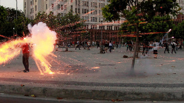 PROTESTO-CINEGRAFISTA-MORTEIRO-RJ-01-size-598