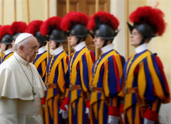 Papa chamado de Comunista