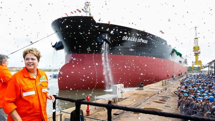 Dilma-batiza-navios-Henrique-Dia-e-Dragao-do-Mar-no-Pernambuco-201404140009