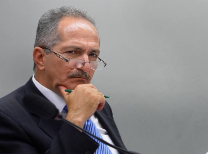 Aldo Rebelo critica demagogia das ruas