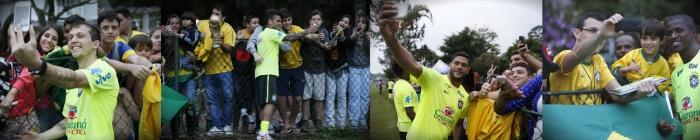 Torcedores e Seleção Brasileira - selfie